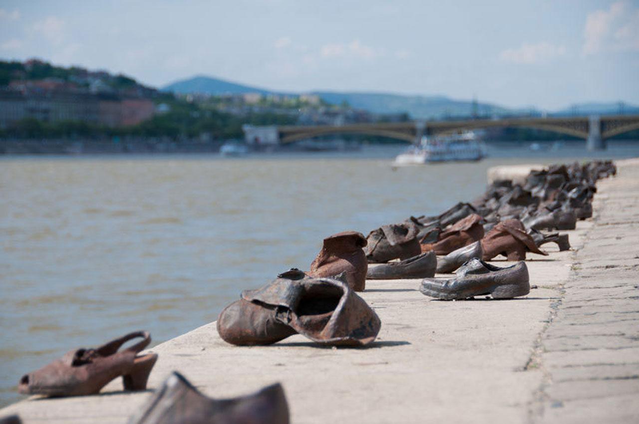 Los Zapatos del Danubio