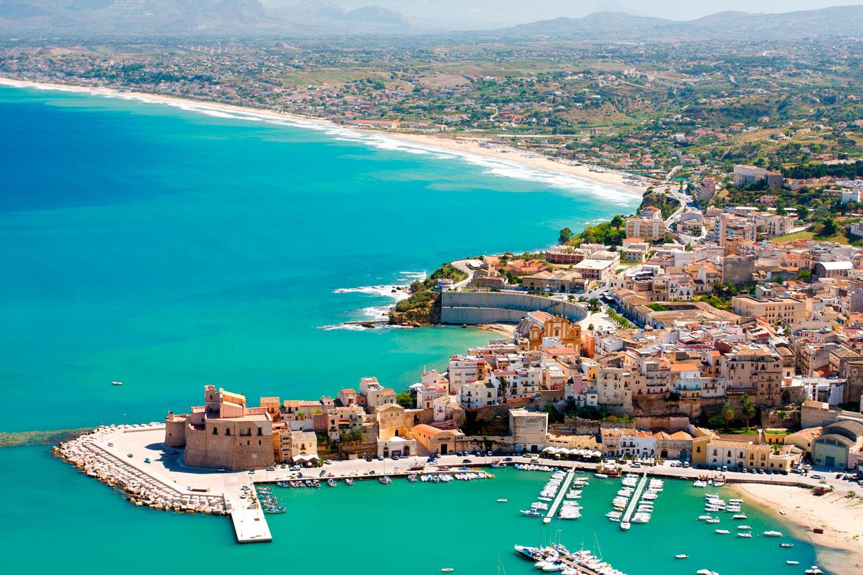 Vista aerea de Castellamare del Golfo Sicilia