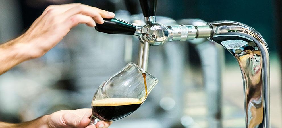 Cerveza negra de Praga en la Republica Checa