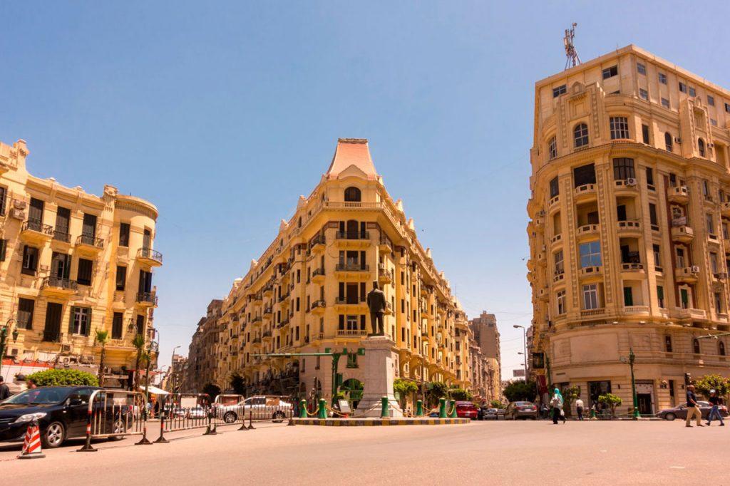 Plaza-Talaat-Harb-El-Cairo