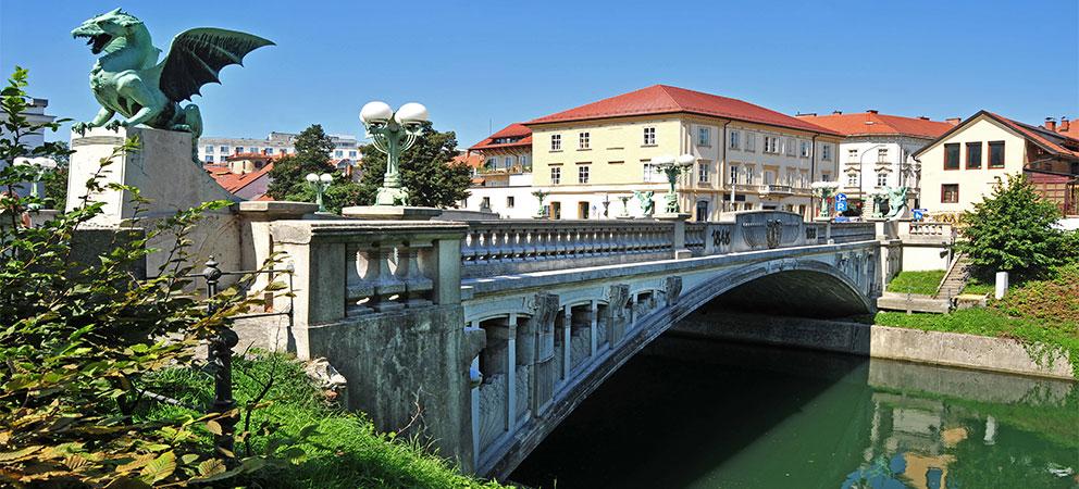 Puente de los Dragones en Ljubljana