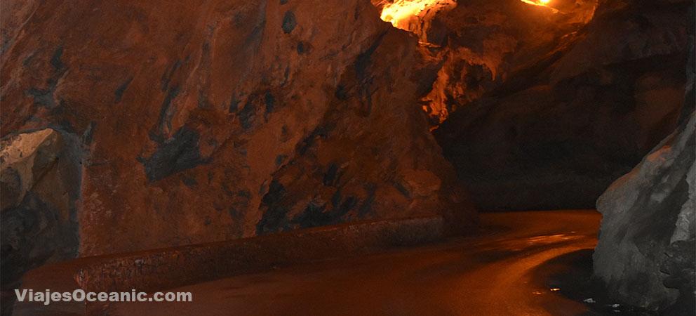 La Cuevona de Cuevas de Agua
