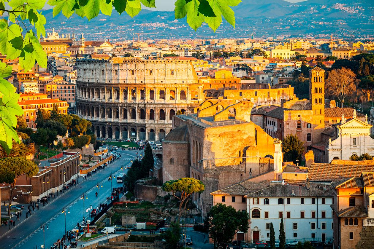 Como es el Coliseo de Roma