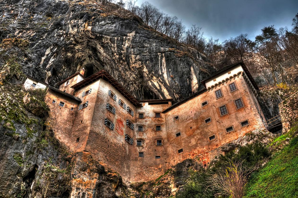 Donde esta el castillo de Predjama