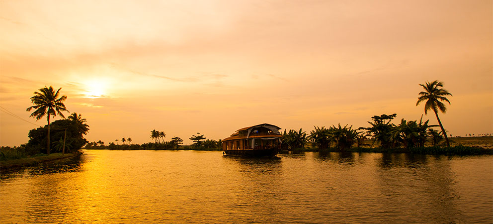 Navegar por los Backwaters de Kerala