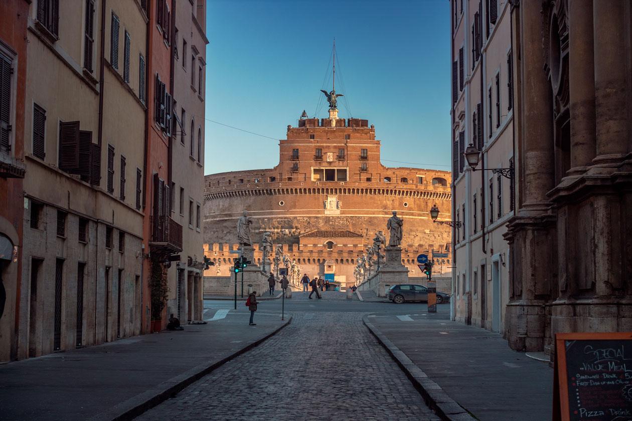 Donde esta el Castillo Sant Angelo