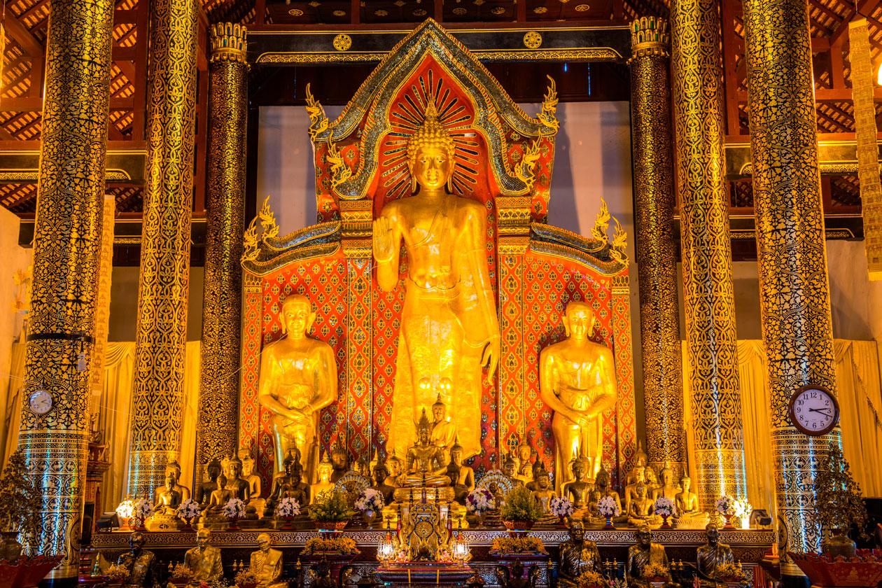 El interior del Wat Chedi Luang