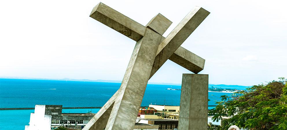Como es la Cruz Caida de Salvador de Bahia