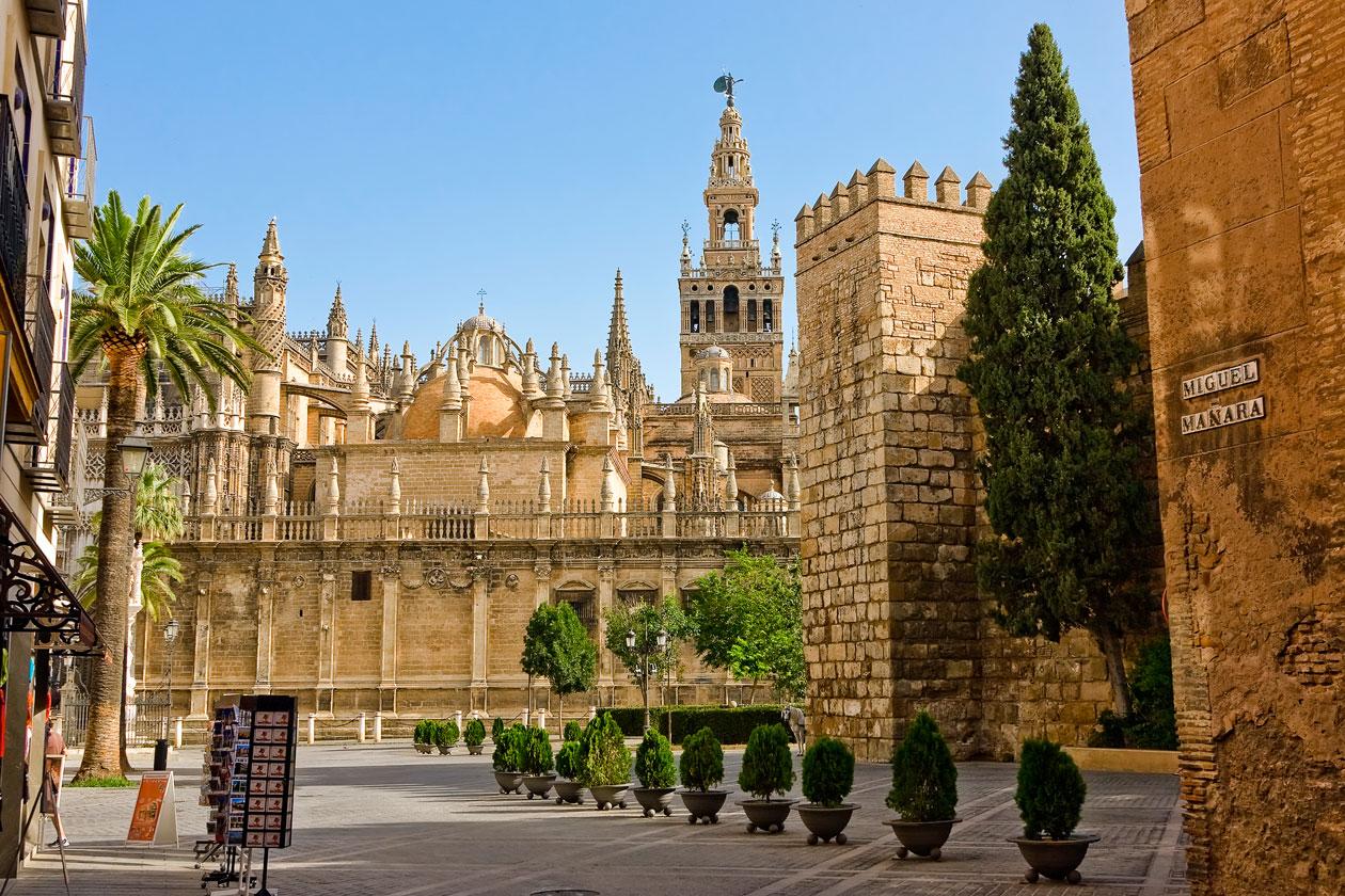 Como es la Giralda de Sevilla