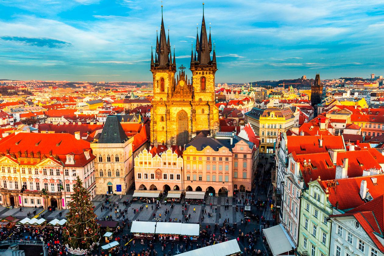 La Iglesia De Nuestra Senora De Tyn Historia Viva De Praga